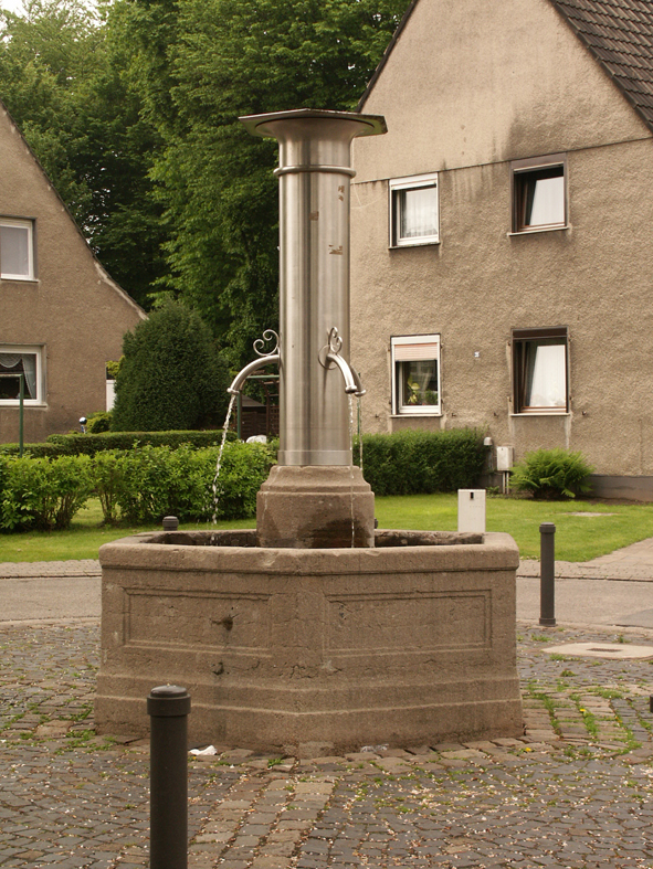 Der Brunnen am Howeg